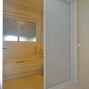リフォーム後のバスルーム