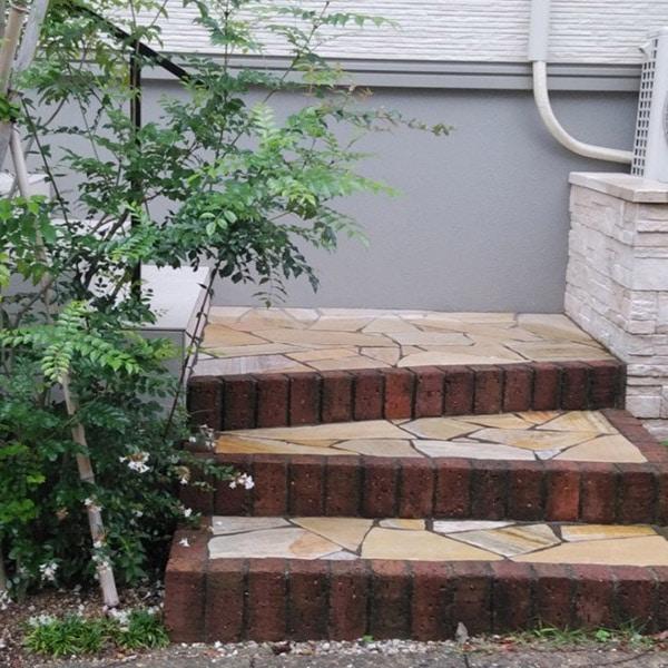 玄関のアプローチ