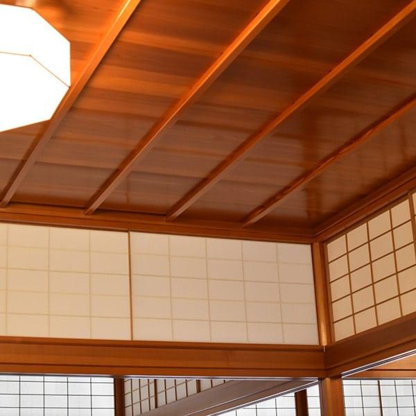 和の雰囲気の天井